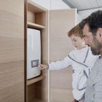 Управление проточным водонагревателем Clage DSX Touch простое и интуитивно понятное.